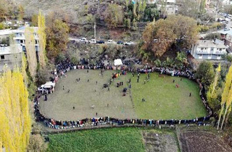 Irak sınırındaki düğün halayı, drone ile görüntülendi