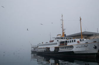 İstanbul'da yoğun sis yüzünden vapur seferleri iptal