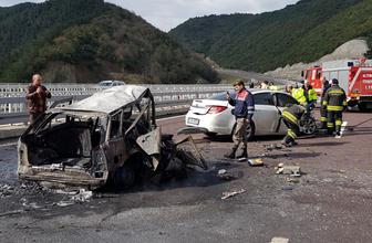 Bursa-İstanbul otobanında feci kaza: 2 kişi yanarak öldü