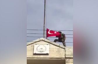 Türk bayrağı Afrin semalarına böyle çekildi!