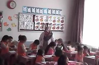 Okul yönetimini inandıramadı sınıfa gizli kamera yerleştirdi