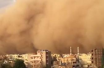 Korkunç görüntü! Kum fırtınası şehri yuttu