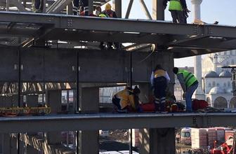 İşçiler feci şekilde çatıdan düştü! Yaralılar