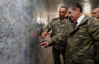 Milli Savunma Bakanı Canikli sınır hattında