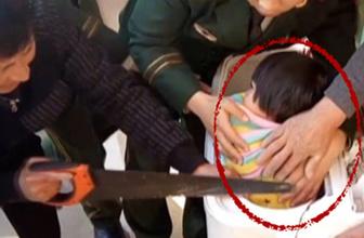 Çamaşır makinesine sıkışan çocuk uzun uğraşlar sonucu kurtarıldı