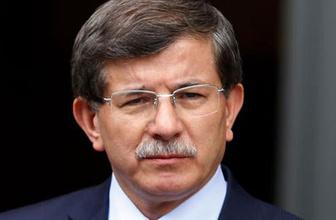 Ahmet Hakan'dan Davutoğlu'na: Namaz kılacaktı şimdi imamı gönderiyor