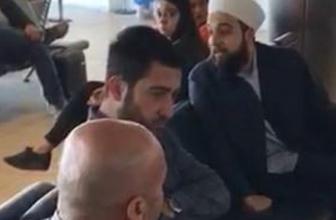Havaalanında sarıklı yolcuya çirkin saldırı!