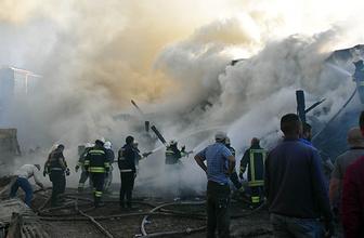 Dev yangın 3 saatte söndürüldü: 100 ton kül oldu!