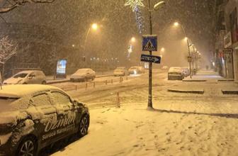 Erzurum'a Nisan'da kar sürprizi!