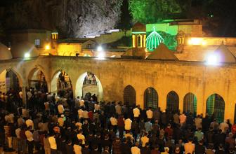 Peygamberler şehri Şanlıurfa'da Berat Kandili coşkusu