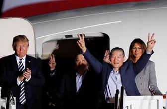 ABD'de tarihi anlar! Trump uçağın kapısında karşıladı...