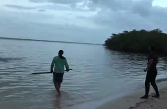 Ümit ve Turabi köpek balığı yakalamaya çalıştı