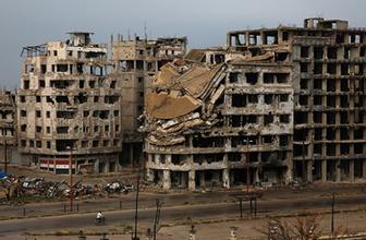 Suriye'de muhalifler Humus'a tahliye ediyor
