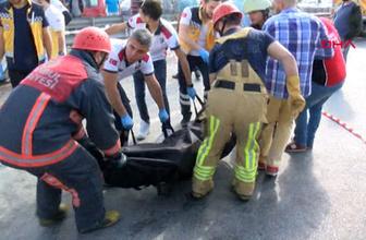 Arnavutköy'de korkunç kaza otomobilde feci şekilde can verdiler