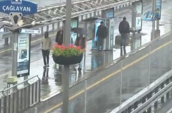 İstanbul sağanak yağışa teslim oldu!