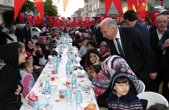 Başkan Uysal Ataşehirlilerle sokak iftarında buluştu