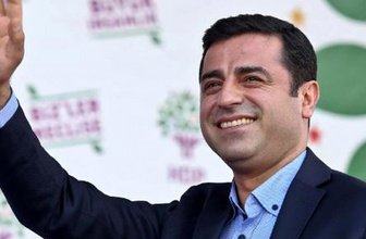 Bir seçim vaadi de Demirtaş'tan: Her ay 500 lira...