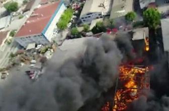 İstanbul'da iplik fabrikası alev alev yanıyor