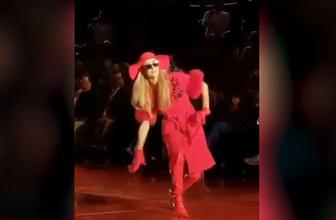 Paris Hilton'un zor anları! Hemen kendini toparladı