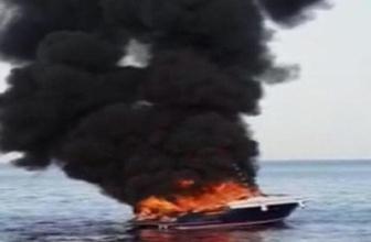 Bodrum'da lüks motoryat yanarak battı
