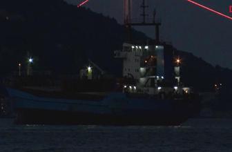 Arızalı gemi İstanbul Boğazı'nı alarma geçirdi