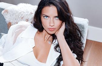 Adriana Lima'dan makyajsız yatak pozu