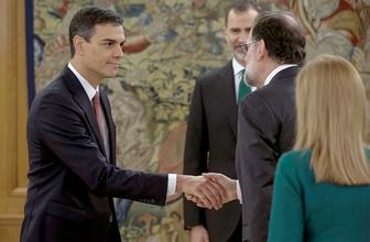 İspanya bir ilk! Yeni başbakan İncil olmadan yemin etti