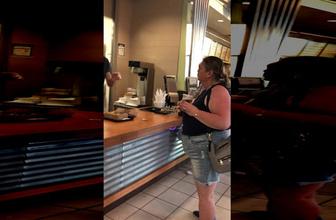 Yemeği beğenmeyen kadın öyle bir hareket yaptı ki!