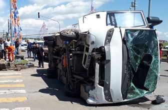 Kars'ta korkunç kaza! Çok sayıda asker ve polis yaralı