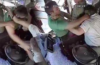Otobüste dehşet anları! Hareket halindeyken şoföre saldırdı