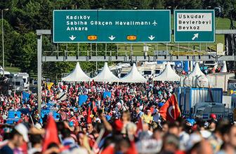 15 Temmuz Şehitler Köprüsü'nde oluşturulan alanı vatandaşlar doldurdu