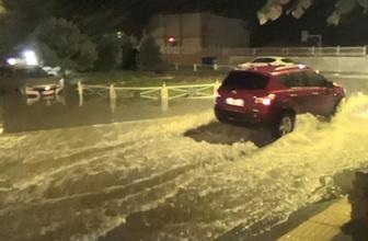 Tekirdağ'da şiddetli yağış sokakları göle çevirdi!