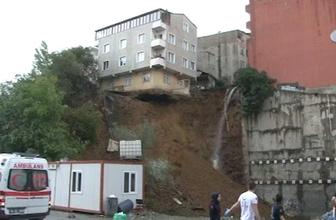 Sütlüce'de boşaltılan bina çöktü