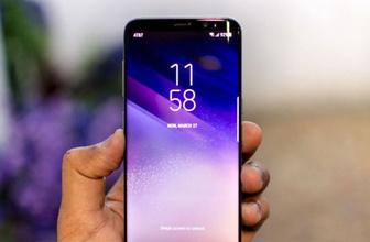 Samsung telefonlarında sağa sola fotoğraf gönderiyor!