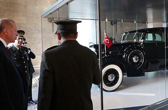 Erdoğan, Atatürk'ün otomobilini inceledi