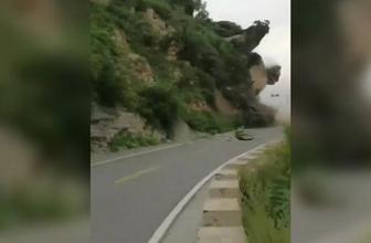 Çin'deki toprak kayması kamerada