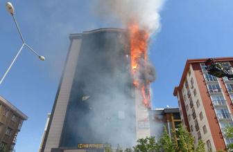 Ataşehir'de plazada yangın!