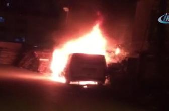 Ümraniye'de park halindeki bir minibüs kundaklandı