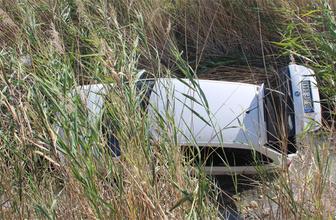 Konya'da otomobil sulama kanalına düştü