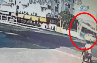Dehşet anları kamerada...Otomobil ile minibüs çarpıştı: 6 yaralı