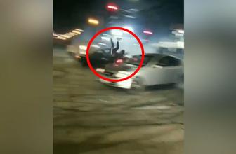 Facia anı kamerada! Arabanın içinden asfalta uçtu