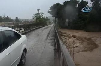 Ordu Ünye'de sel felaketi! Sahil yolu trafiğe kapatıldı