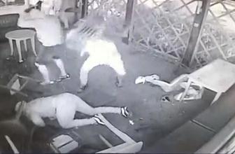 İki grup arasından çıkan kavga kameralara saniye saniye yansıdı!