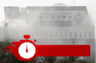 Teröristler bastı! Binanın içinden patlama sesleri geliyor...