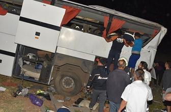 Polis otobüsü devrildi! Çok sayıda yaralı var