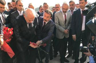 Bahçeli, Ülkücü Şehitler Anıtını ziyaret etti