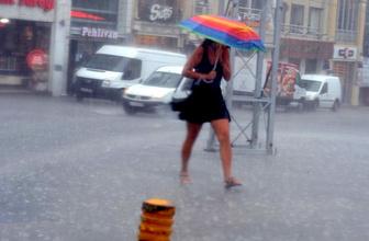 Şemsiyeleri hazırlayın! Hava sıcaklıkları düşüyor, yağış geliyor
