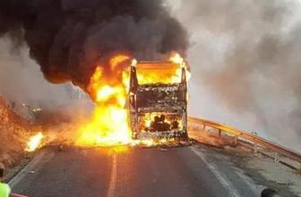 Mersin'de yolcu otobüsü alev topuna döndü