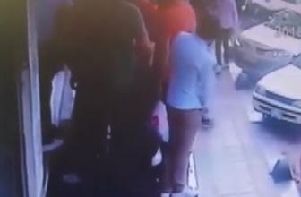 Evli kadına taciz iddiası: Garsona feci dayak!