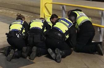 İngiltere'de tren istasyonunda saldırı: Yaralılar var!
